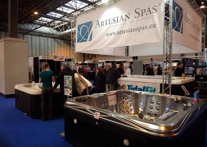 Expo show hat trick pool and spa scene for Pool trade show 2015