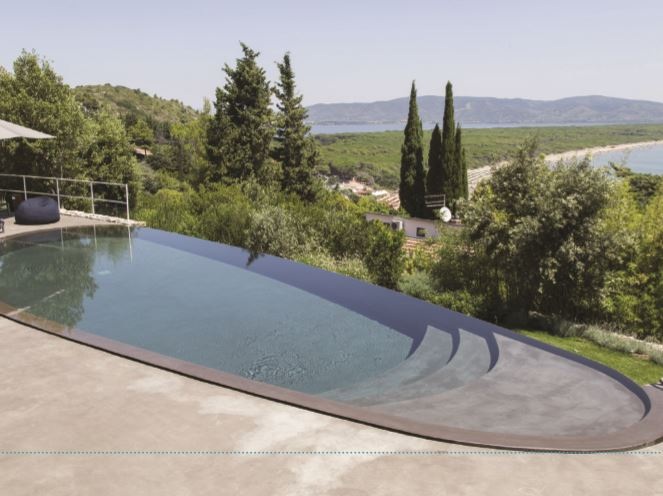 This residential outdoor pool by Euwork takes full advantage of the sea views and natural height variations of the land, thanks to the overflow edge. The organic shape of the pool blends well with the scenic loaction and the colours and materials were carefully chosen to keep in line with the natural surroundings. The pool took the top spot in the 'Residential Outdoor Pool - Free Shape' category. Category Residential Outdoor Pool - Free Shape. Winner: Euwork.