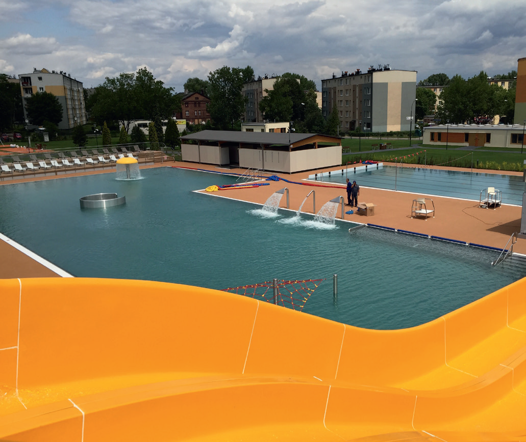 The water temperature at the waterpark in Ruda Slaska, Poland, is maintained by four Calorex Pro-Pac heat pumps.