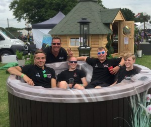 The boys from Goodwins Hot Tubs of Kent enjoying a welldeserved break.