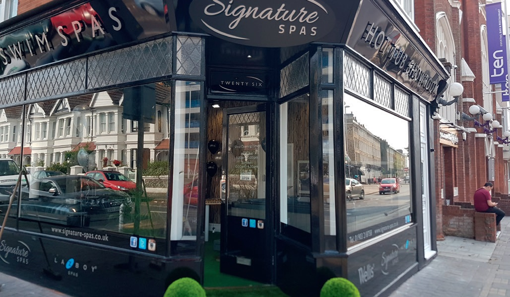 Signature Spas UK took the decision to expand with the launch of a retail showroom, following the success of its online sales.