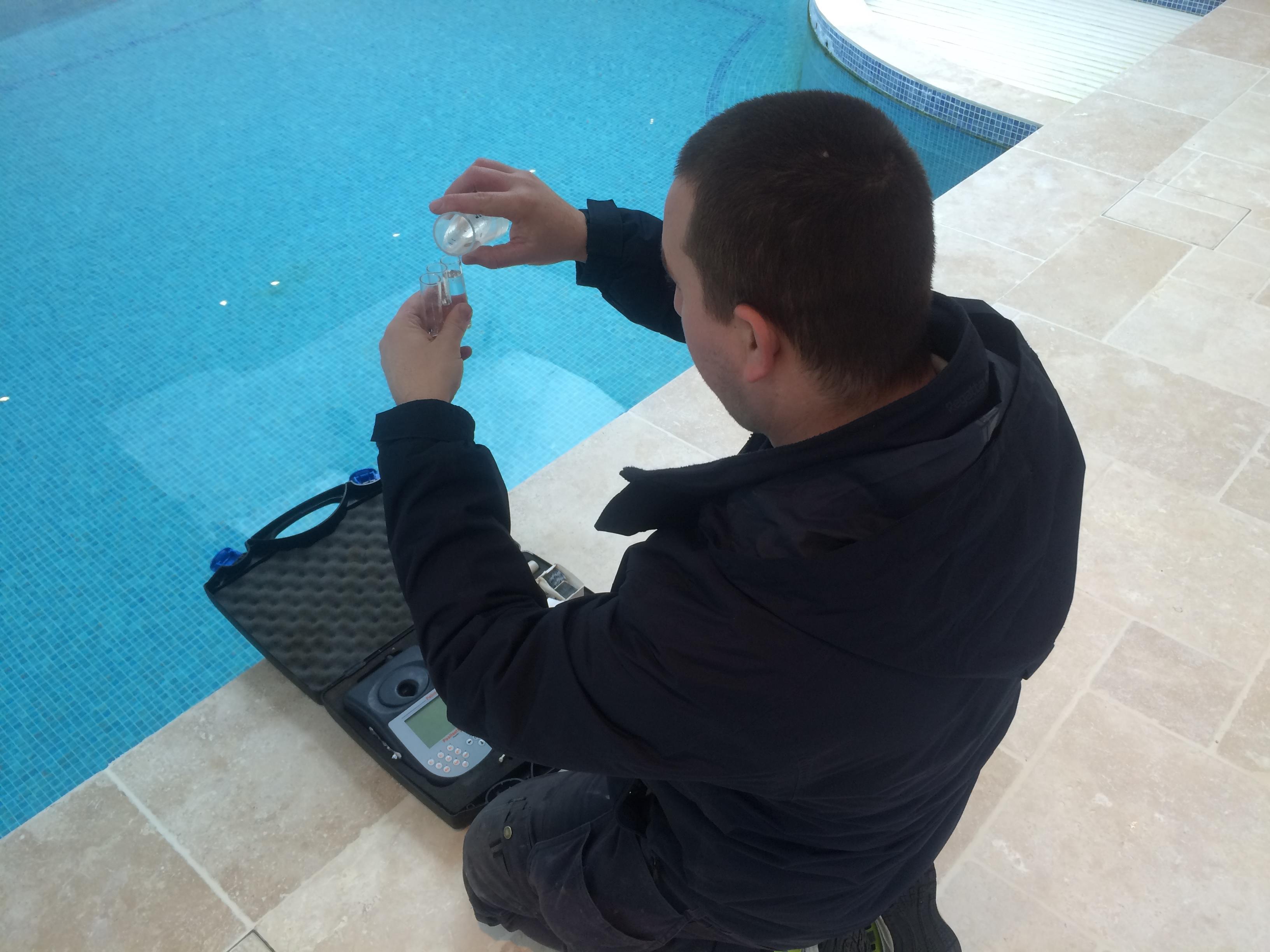 LSPC Servicing Engineer testing pool water chemistry 2016_3