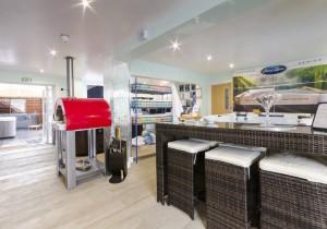Cost Spas Launch UK Dealer Drive 2
